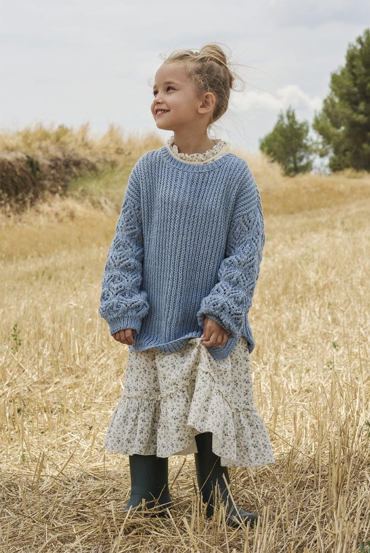 32 Sininen lapsen pitsihihainen patenttineulepusero