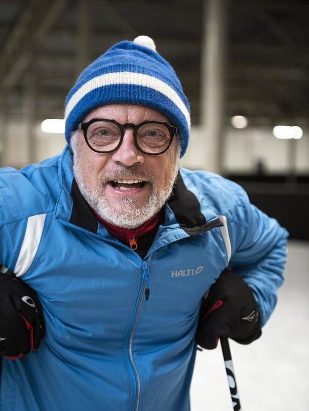 """""""Vanha ja fanaattinen Suomen eniten hävinnyt urheilija"""", Matti määrittelee itsensä. Ilmaus tarkoittaa, että hän on urheillut intohimoisesti lapsesta asti, kokeillut useita lajeja, ollut monessa niistä melko hyvä mutta ei missään tosi hyvä."""
