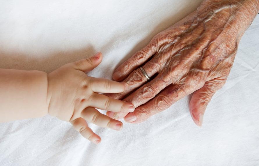 Liian moni isovanhempi ajattelee: Minusta ei ole mitään iloa. En ole tarvittu enkä toivottu.