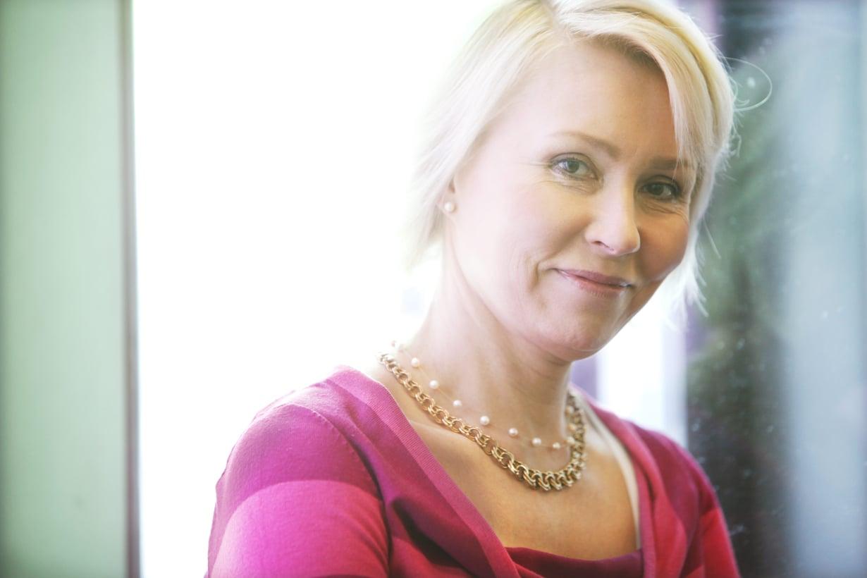 Raisa Cacciatore, 59, on lastenpsykiatri ja Väestöliiton vanhemmuuskeskuksen johtaja.