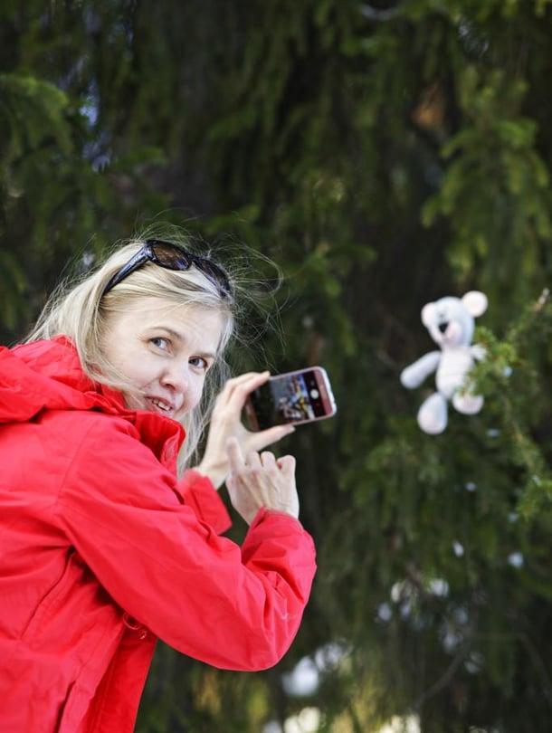 Kirsi Heimosen virkkaamasta Nallesta on tullut Instagram-tähti.