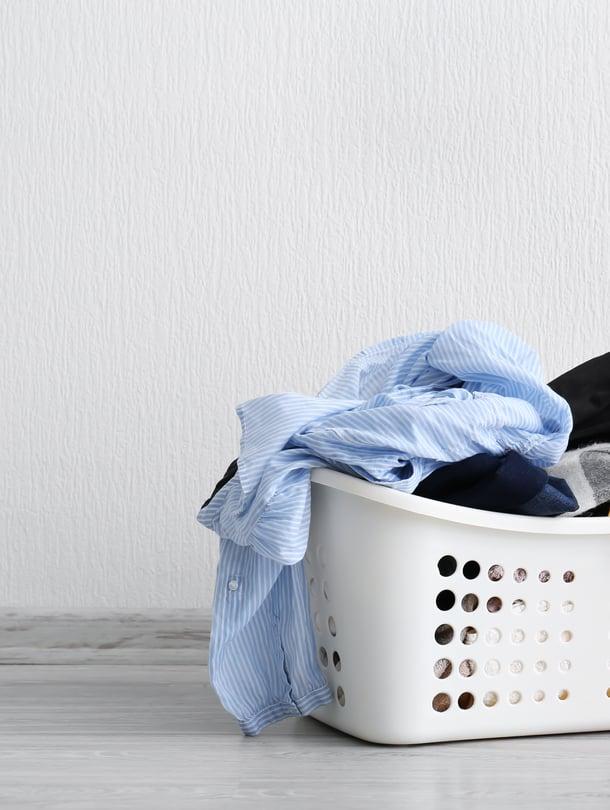 Ennen kuin heität vaatteen huolettomasti pyykkikoriin, kysy itseltäsi: vaatiiko tämä tosiaan jo pesua?
