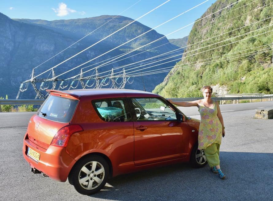 I've got the power. Jostain sen sähkönkin on tultava. Norjan sähköstä 99% tulee vesivoimaloista.