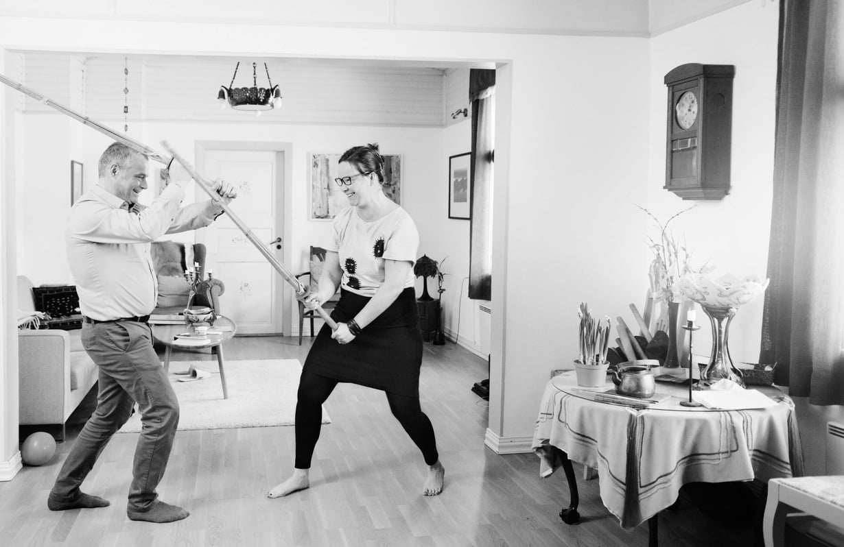 Rosa on harrastanut Arin kanssa kendoa. Se on japanilaiseen miekkailuun pohjautuva kamppailulaji.