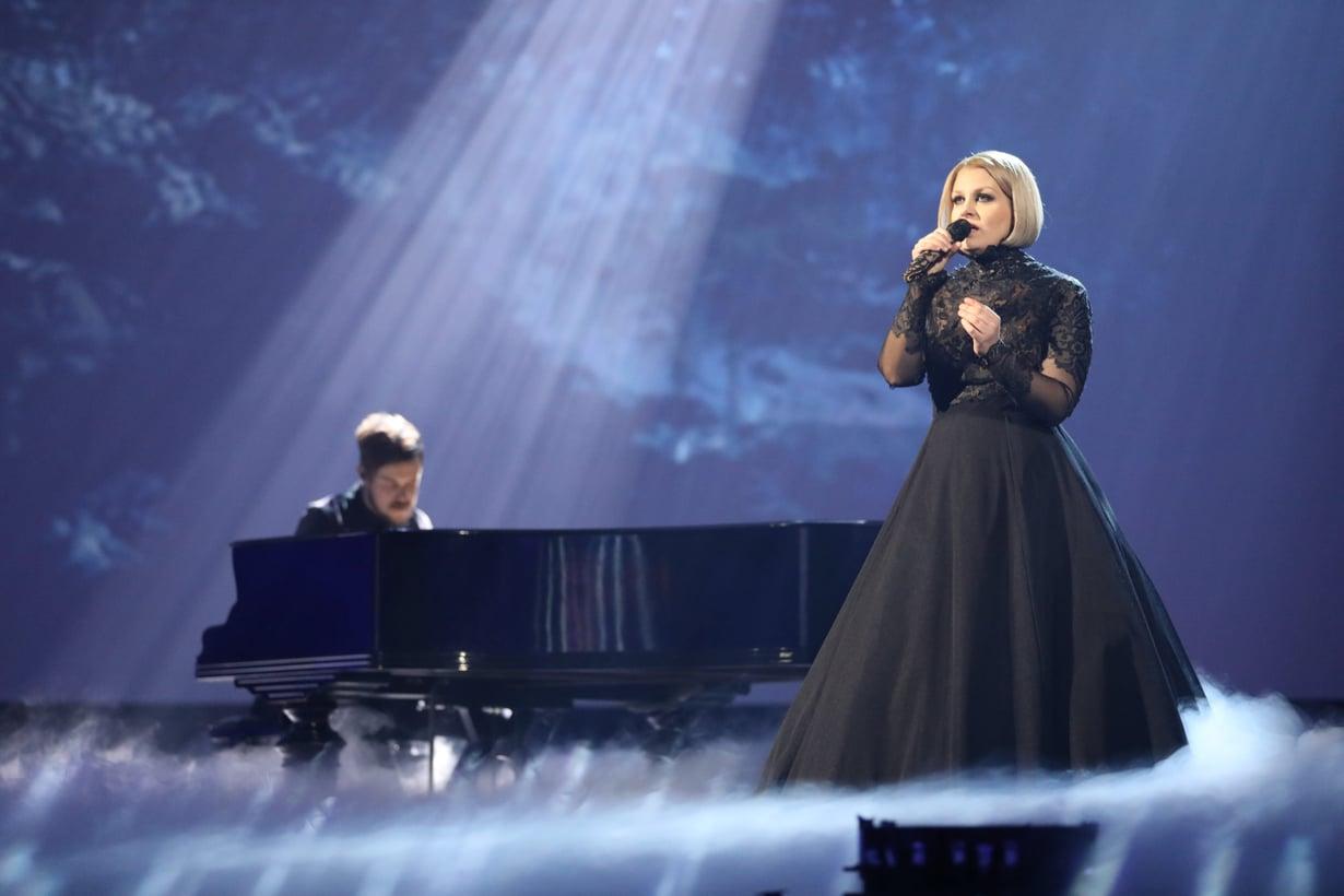 Norma John edustaa Suomea Euroviisuissa kappaleellaan Blackbird.