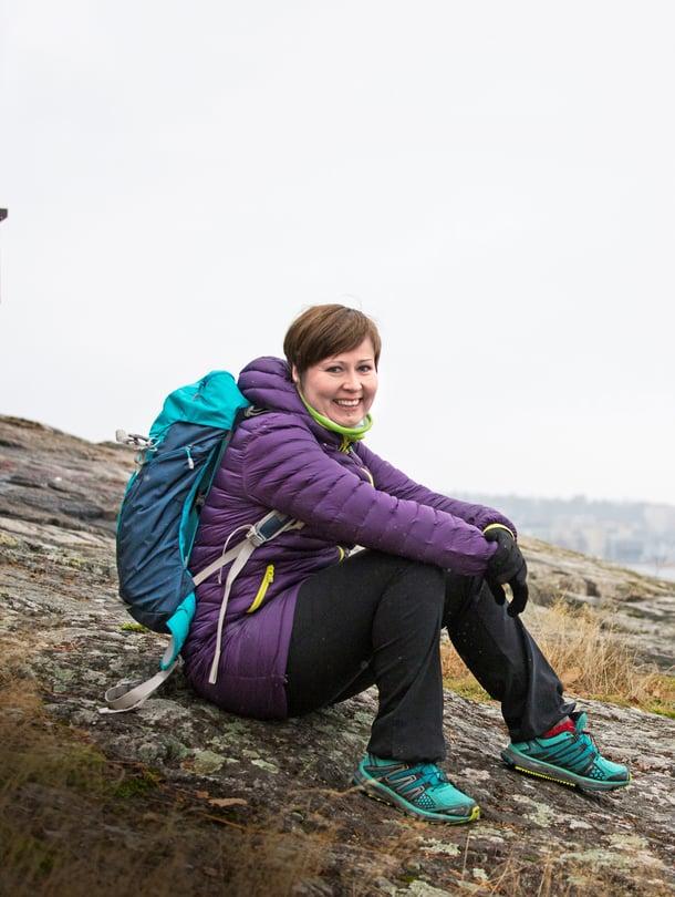 """Mirja Kärnä ei enää käy juoksulenkillä. """"Kävely ei ole minulle urheilua vaan kutsumus."""""""