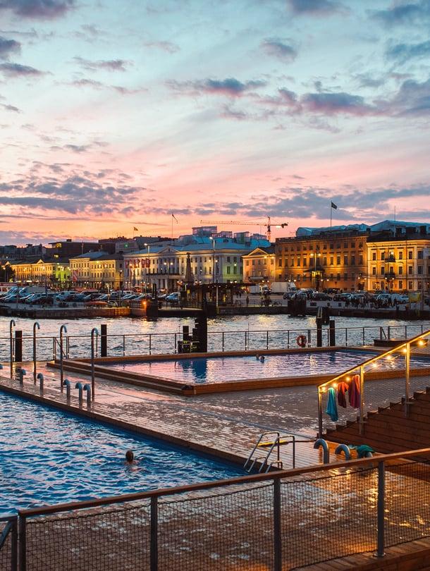 """Allas Sea Pool, Helsinki. """"Siisti paikka ja upea sijainti!"""" """"Saunasta on ihana näkymä."""" """"Hieno keskustanäköala."""" Kuva Eetu Ahanen / Sanoma arkisto"""