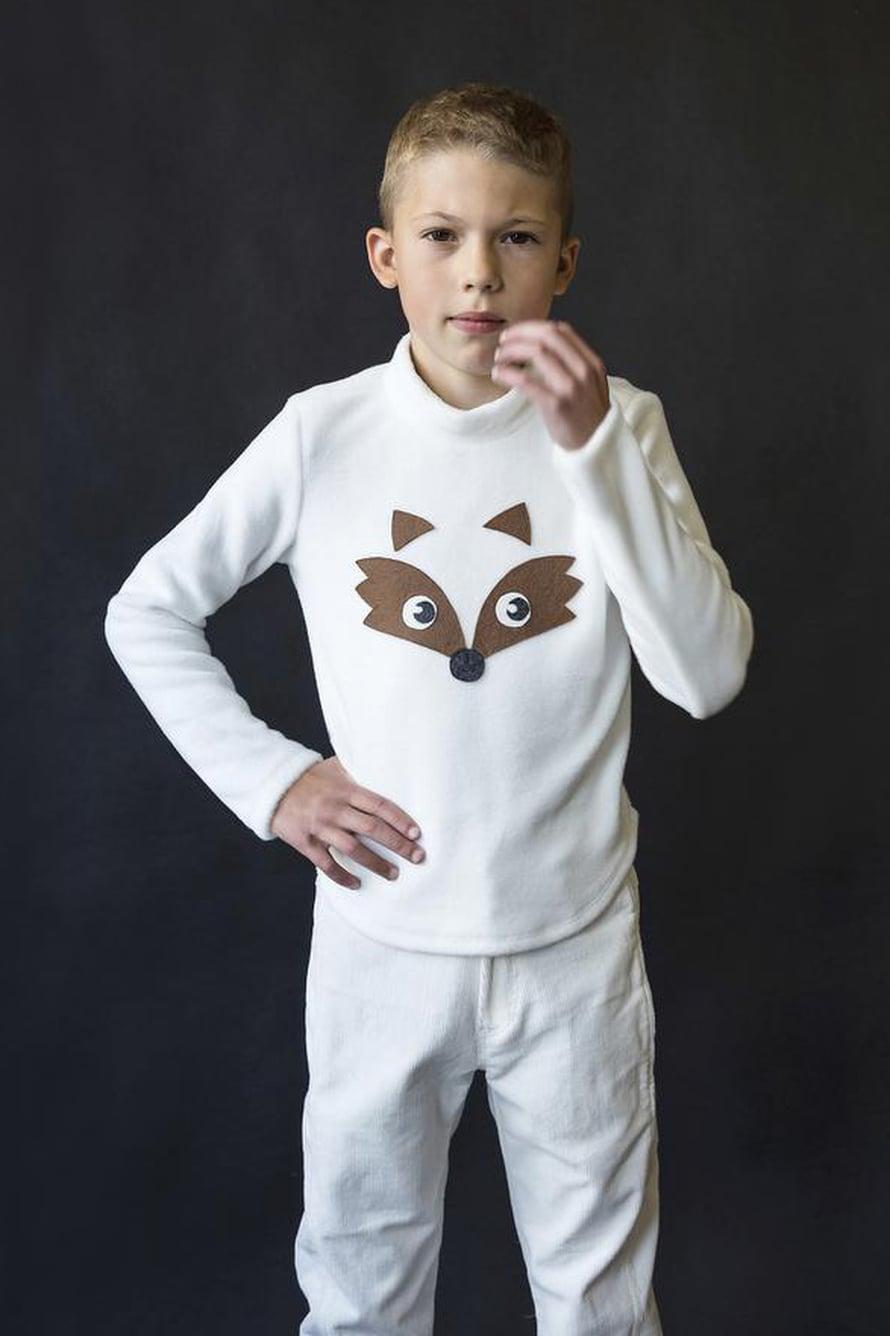 19 Valkoinen lapsen pusakka