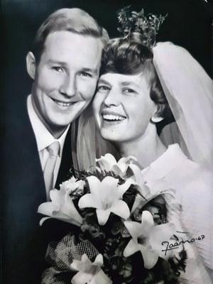 Kimmo ja Ritva menivät naimisiin 22.10.1967 Elimäen kirkossa, Ritvan kotipitäjässä. Kimmo kosi ensimmäistä kertaa heti ensitreffien jälkeen. Vasta toisella kosimiskerralla hän sai myöntävän vastauksen.