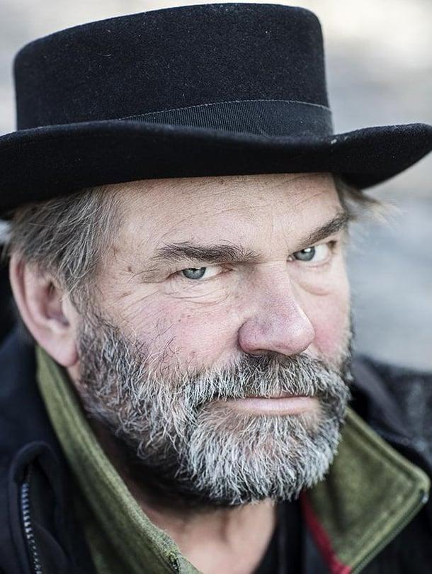 Kai Lehtinen on näyttelijä, ohjaaja ja kuuden lapsen isä.