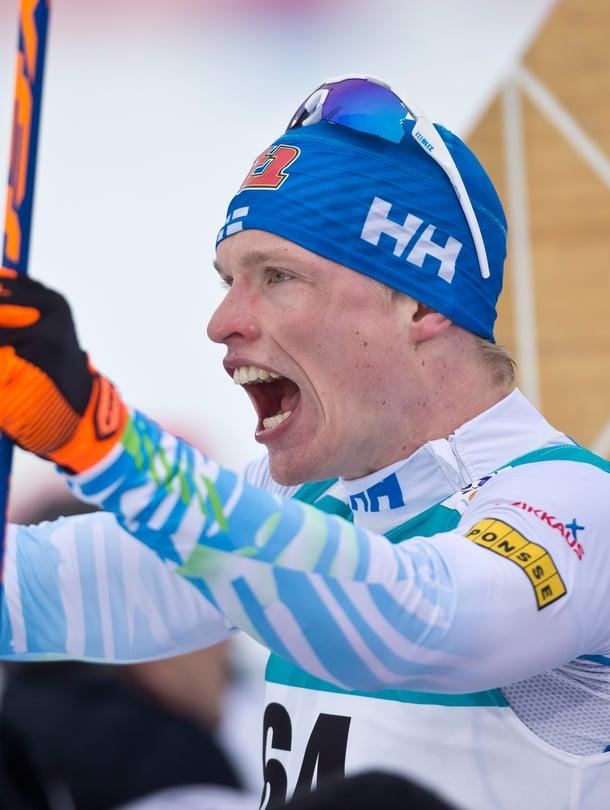 Kun Iivo Niskanen hiihtää olympialaisissa 50 kilometriä, Jarmo Lehtinen selostaa radiossa kolme tuntia.
