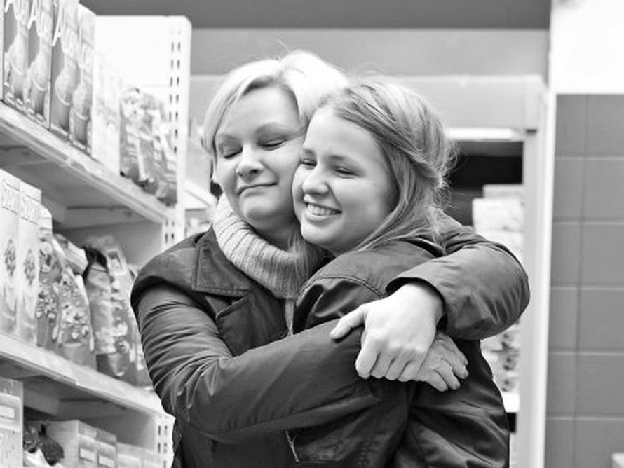 Päivi Storgård ja tytär Elli Saharinen puhuvat paljon, myös Päivin kaksisuuntaisesta mielialahäiriöstä.