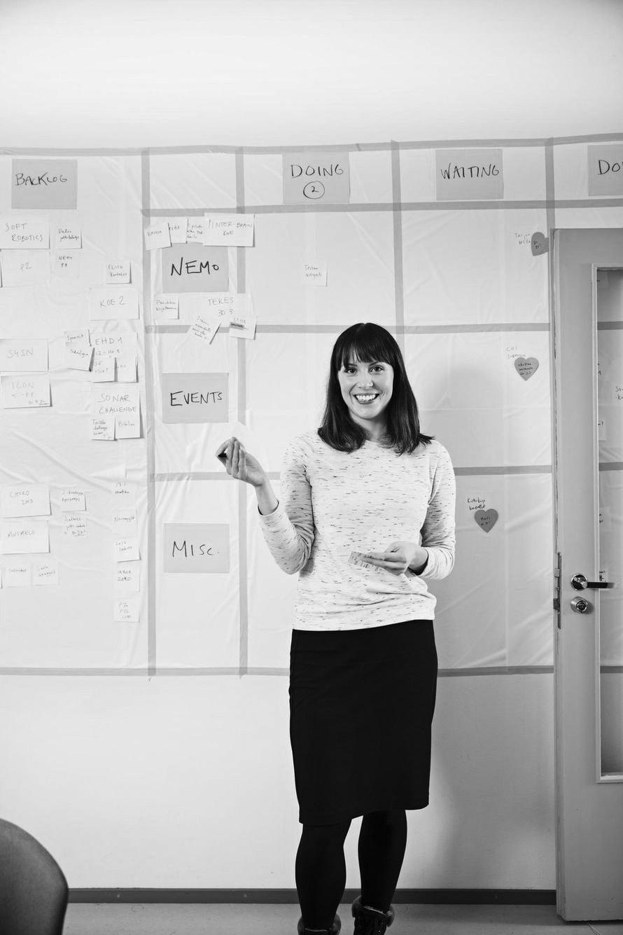 33-vuotias aivotutkija Katri Saarikivi vetää Nemo-hanketta, joka etsii keinoja välittää tunteita digitaalisessa muodossa.