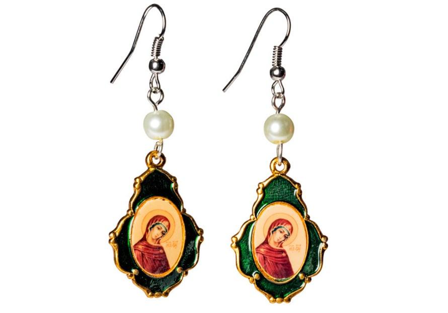 Ortodoksikirkosta hankituista ikonikuvista syntyi korvakoruja.
