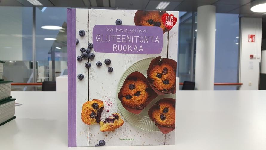 Syö hyvin, voi hyvin - Gluteenitonta ruokaa -keittokirja (Gummerus 2017) sisältää 50 reseptiä, jotka auttavat joko karsimaan gluteenin ruokavaliosta tai vähentämään sen määrää.