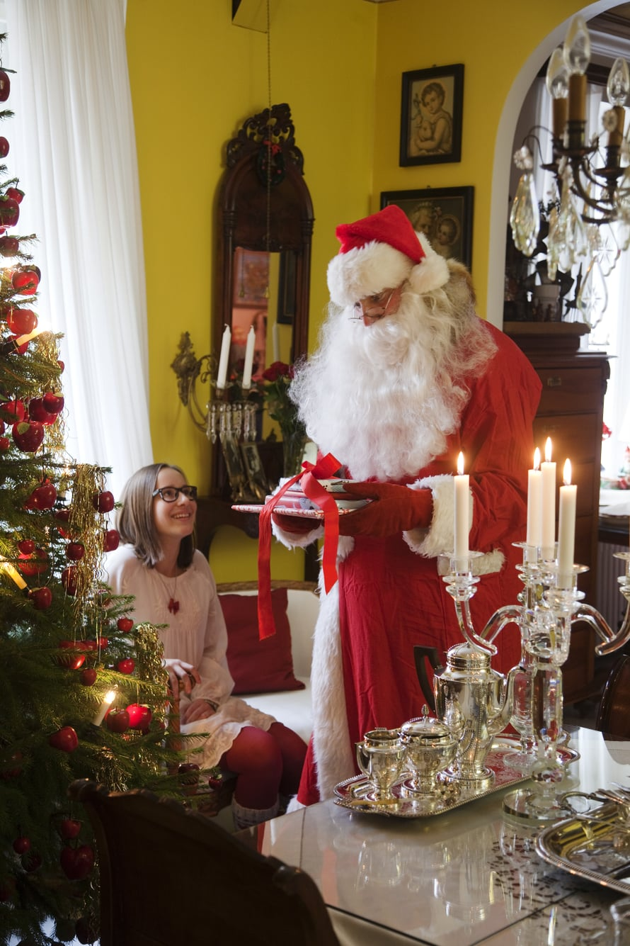 Joulupukki on monessa perheessä joulun odotetuin vieras. Vuoden kiireisimpänä aikana hän tarvitsee vähän apulaisia.