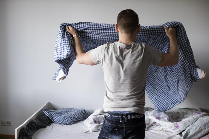 """""""Omaan kotiin tulee mukava tunnelma, kun sänky on pedattu eikä lattioilla ole hiekkaa tai muruja."""""""