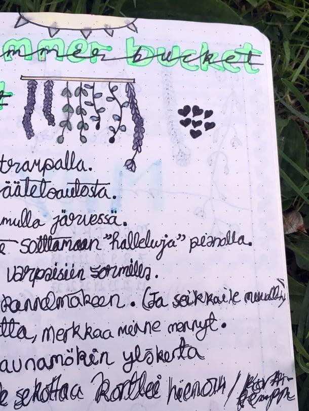 15-vuotias Iida on laatinut jo monta unelmalistaa täksi kesäksi. Tässä niistä yksi.