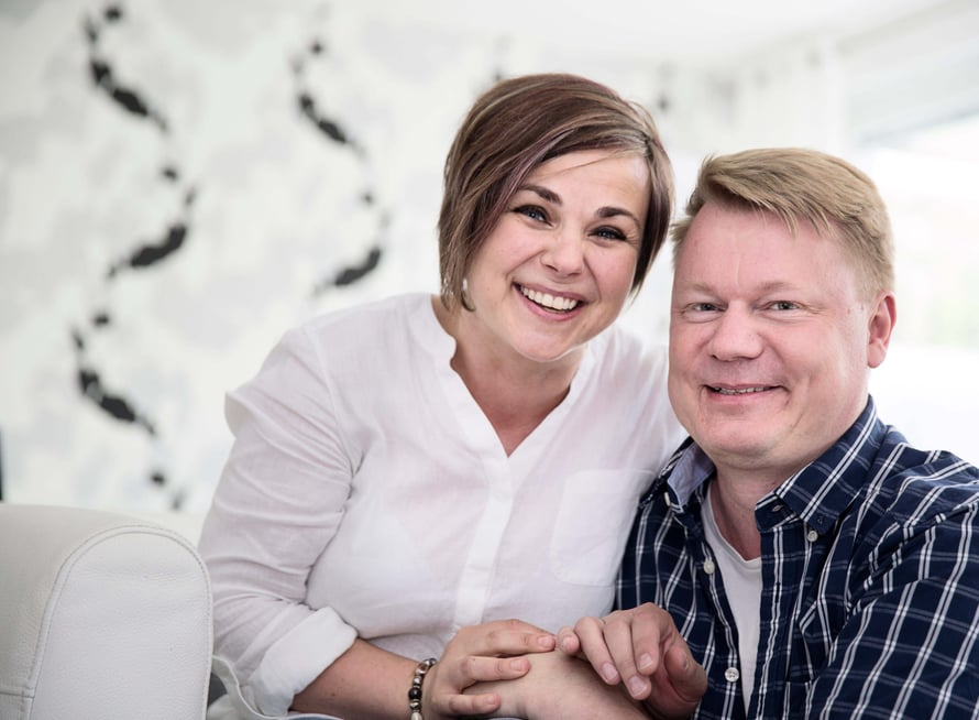Kun Ansku ja Hannu haluavat pitää toisiaan hyvänä, he viettävät hotelliviikonlopun Helsingissä ja nukkuvat aamulla pitkään.