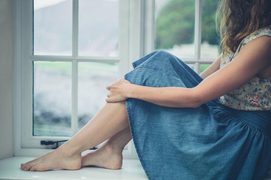 """Paitsi jäämisen pelko on joskus kateutta, pelkoa siitä, että muualla kaikki on paremmin. """"Ihminen kuvittelee, että muilla on onni ja hyvä mieli. Joskus se on totta, usein ei ole"""", psykologi Carita Nylund-Kalli sanoo."""