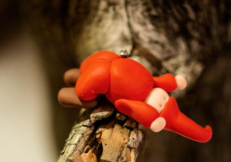 Piiamarilla käyttää tonttuasetelmissaan mielellään kaikkea luonnosta löytynyttä.