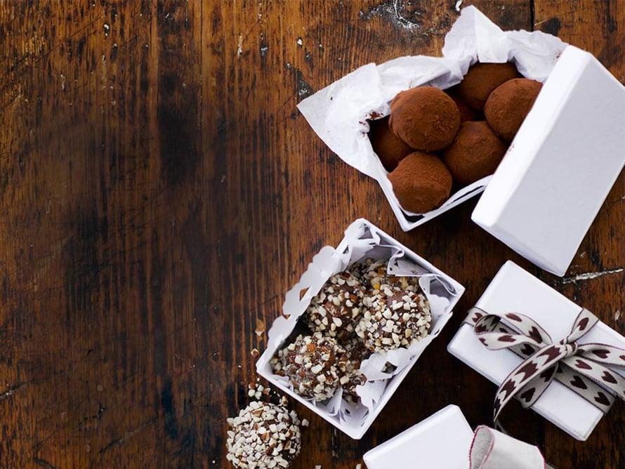 Kaupan nameista saa pienellä tuunauksella täydellisiä ruokalahjoja.