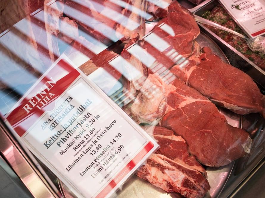 Reinin Lihalla on laaja valikoima naudanlihaa ja ranskalaisia rotukanoja. Lempi ruhonosiani on naudan kylki ja rinta, niistä tulee parhaat lihasopat ja padat.