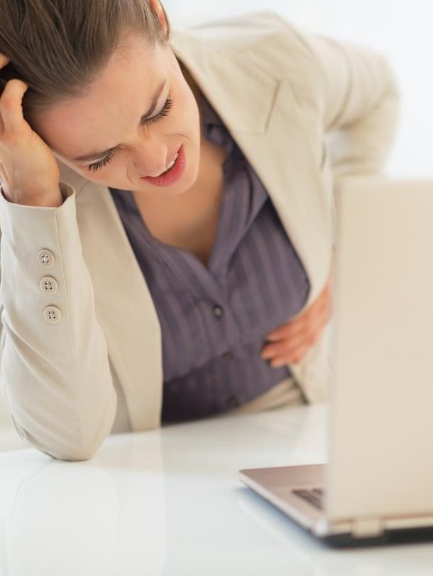 Ärtyvä suoli on melko tavallinen vaiva. Erikoislääkärin mukaan siitä kärsivät erityisesti nuoret istumatyötä tekevät naiset.