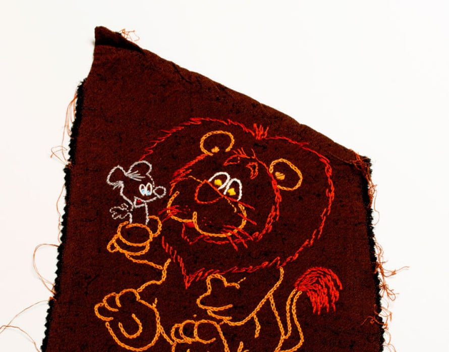 Ritva osallistui kilpailuun, jossa oman horoskooppimerkin piti olla osa vaatetta. Hän kirjoi leijonan hameen taskuun.