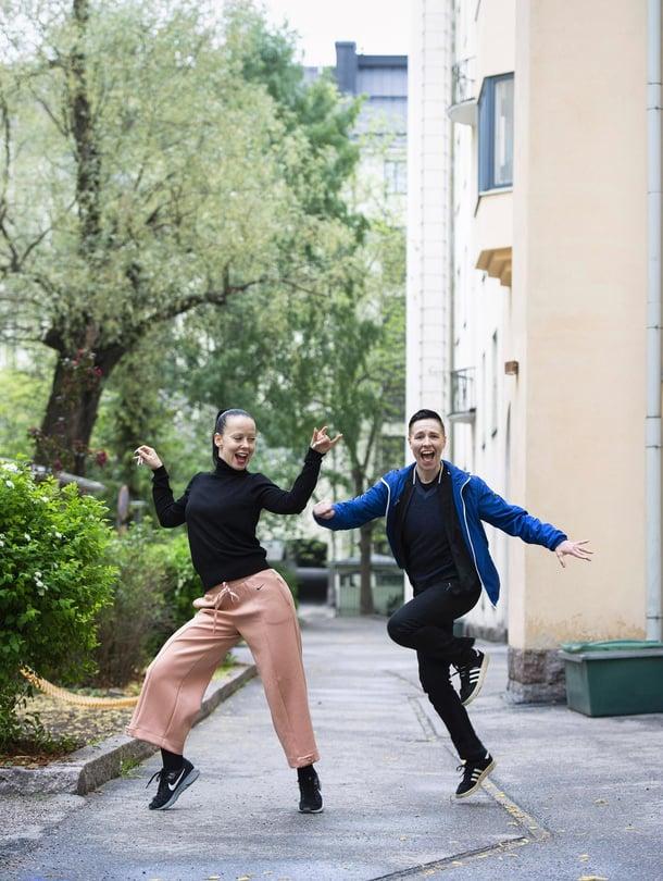 Piian (kuvassa vasemmalla) ja Santran suhteessa tanssi on yhteinen intohimo.