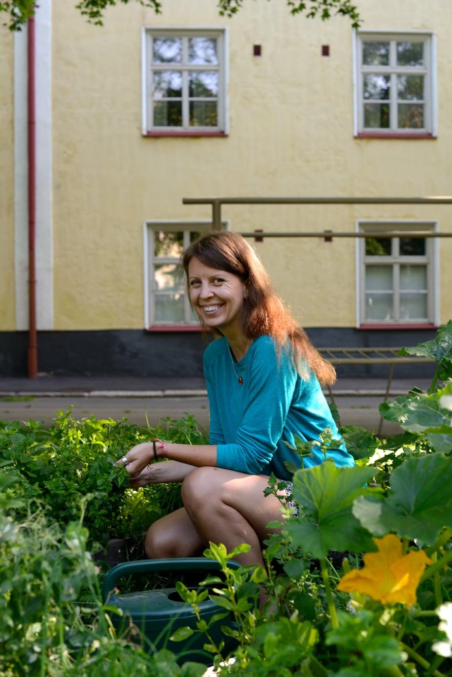 Yrtti-innostus valtasi Pamela Arslanin ja hänen naapurinsa.