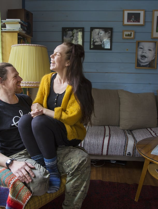 Huck Middeke, 35, ja Henna Middeke, 37, asuvat omakotitalossa Joensuussa. Heillä on 6-vuotias Ilja-poika. Saksasta kotoisin oleva Huck vietti lapsuuden kesälomansa Suomessa.