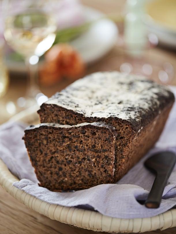 Mämmi antaa leipään lisää mahtavaa maltaista makeutta.