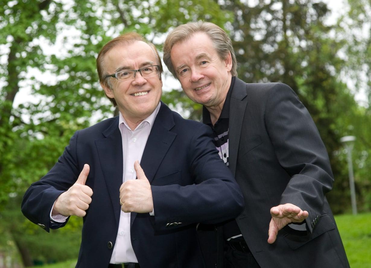 """Turkulainen mies on tottunut laulamaan tunteistaan. """"Sen kaiken teen mä siksi vain, koska kulta sä jaksat olla mun omanain."""""""