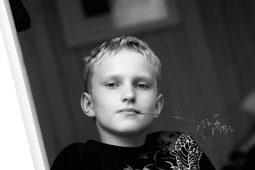 Artturi Huhtakangas on 11-vuotias koululainen, joka harrastaa yleisurheilua ja tekee herkkuhimon iskiessä marjoista smoothien.