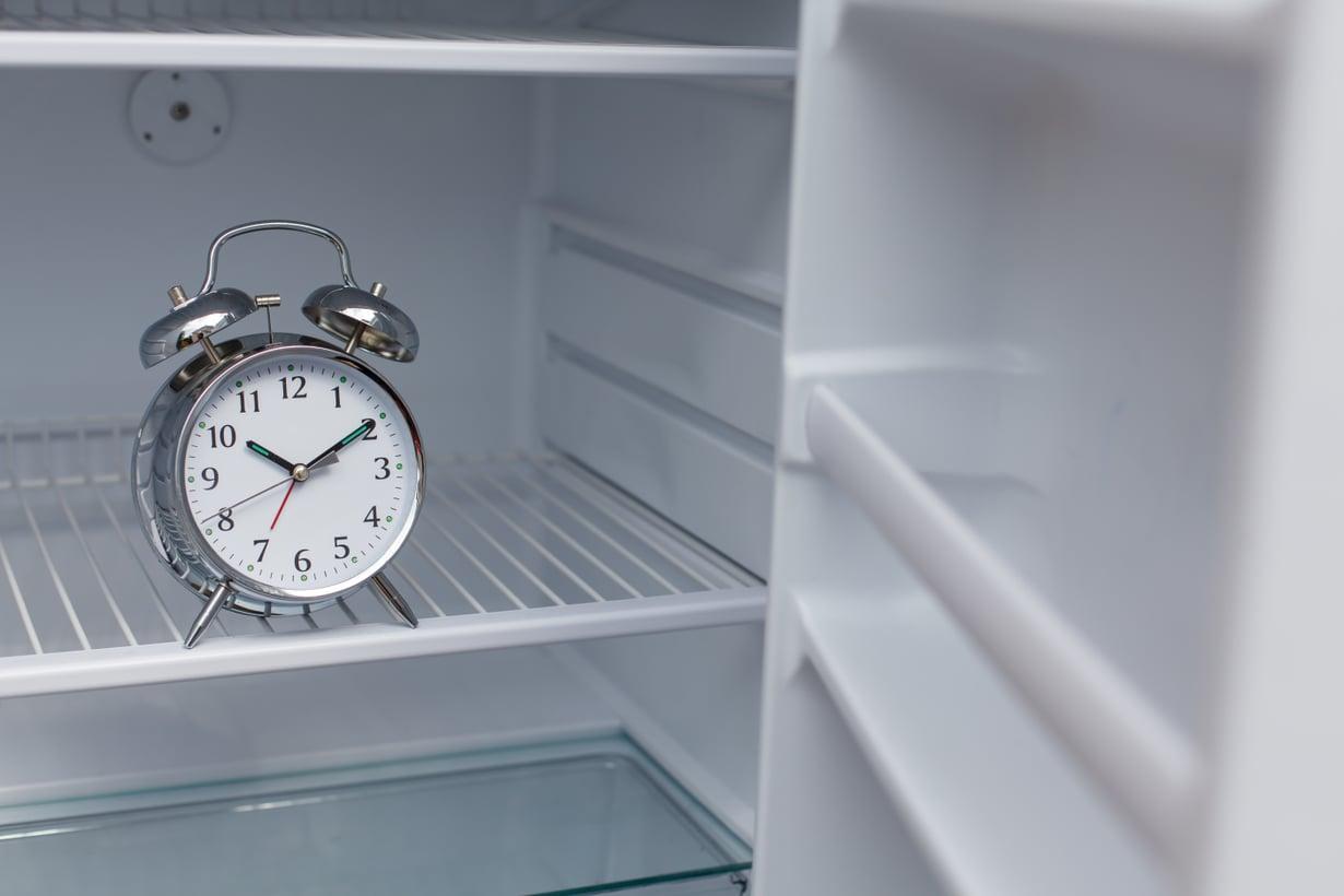 Herätyskello säilyy parhaiten huoneenlämmössä, aivan kuten hunaja, oliiviöljy ja sipulikin.