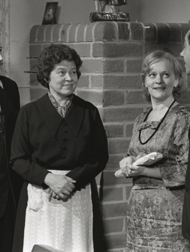 Rintamäkeläisissä näyttelivät Veijo Pasanen, Sirkka Lehto, Eila Roine ja Antti Haljala, mutta millä instrumentilla soitettiin sarjan huikea tunnussävel?