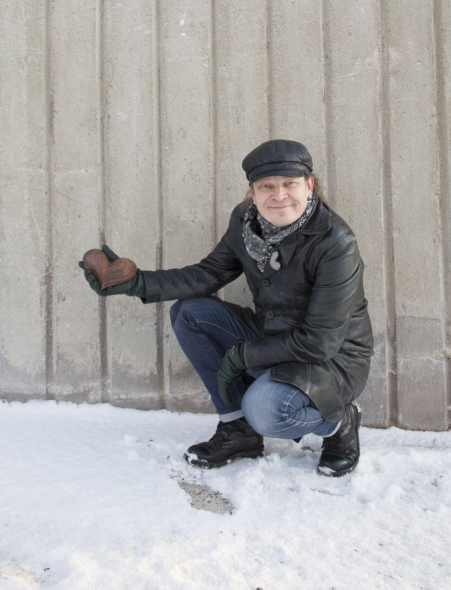 Tuomo Kinnunen  on 53-vuotias psyko-, pari- ja perheterapeutti. Hänen mielestään hyvä parisuhde on sellainen, joka tuntuu molemmista hyvältä. Rajana on vain Suomen laki ja se, että arvostaa toista.