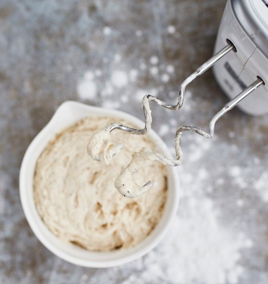 Taikinakoukut säästävät gluteenittoman leipojan hermoja.