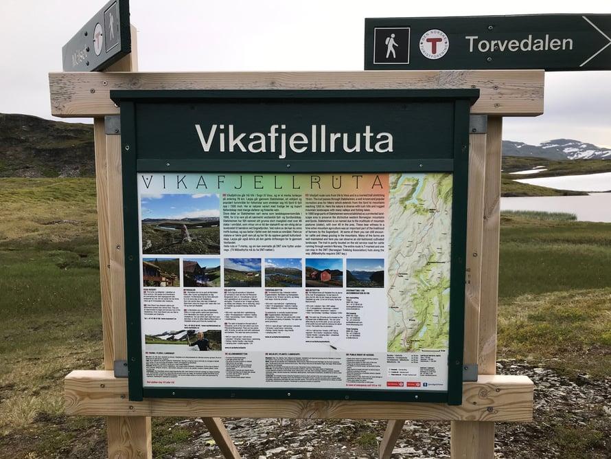 Ja ei ole yllätys, että Norjassa on varmaan ainakin 10 vuoristoaluetta nimeltä Vikafjell. Moninkertaiset nimet ovat hyvin yleisiä.