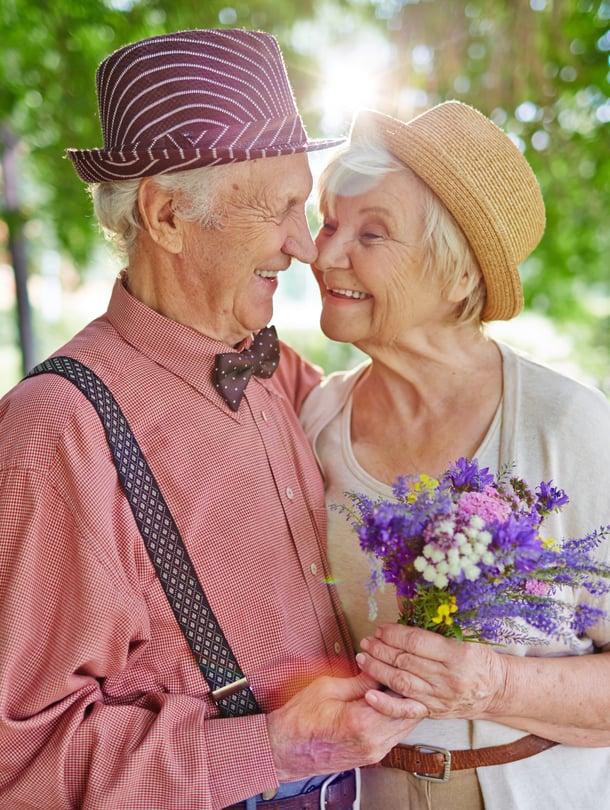 Vastarakastuneilta toisen kehuminen käy usein luonnostaan, mutta pitkässä suhteessa kaipaa välillä muistutusta.