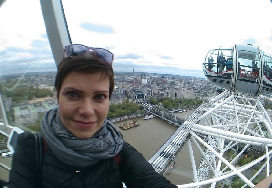 London Eye -maailmanpyörästä näkyy yhtä aikaa sekä Westminsteri Bridge, Tower Bridge että myös London Bridge. Näimme ne myös läheltä, kun kävimme jokiristeilyllä Thamesilla.
