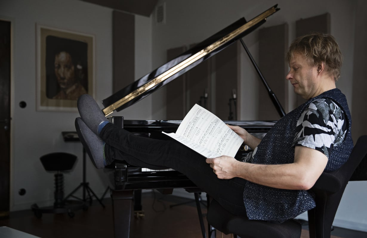Kotona taiteilijakoti Lallukassa on oma huone musiikille.