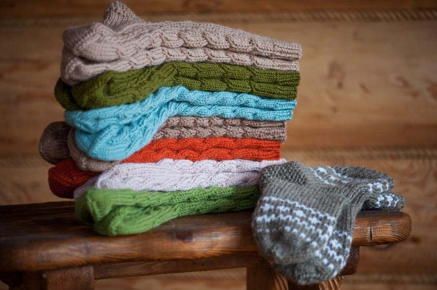 Kaikki kodin villasukat voi heittää kerralla koneeseen. Muista, että villa ei kestä suuria lämpötilan vaihteluita.