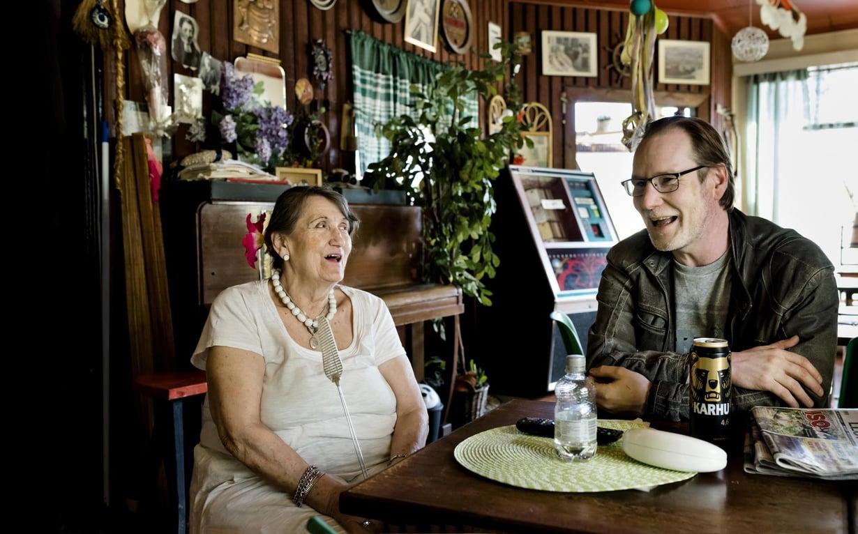 """""""Kun joku kysyy, millainen Annelin baari on, vastaan aina, että istukaapa täällä hetki, niin saatte tietää. Tätä paikkaa ei voi selittää sanoilla"""", Matti Puranen sanoo."""