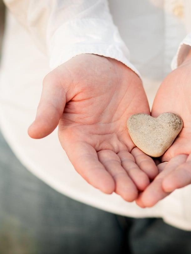 Valmiiksi keitetty aamupuuro voi joskus olla yhtä suuri rakkaudenosoitus kuin tunteellisimmat ja taidokkaimmat sanat. Mutta usein kannattaa myös puhua.