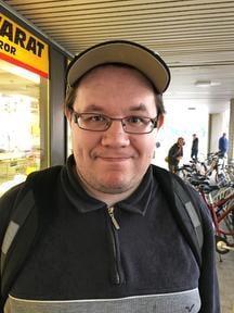 """""""Päätin käydä ostamassa marketista banaanilimsaa. Se oli suosikkini jo lapsena."""" Tarmo Hukkanen, 31, laborantti, Vaasa"""